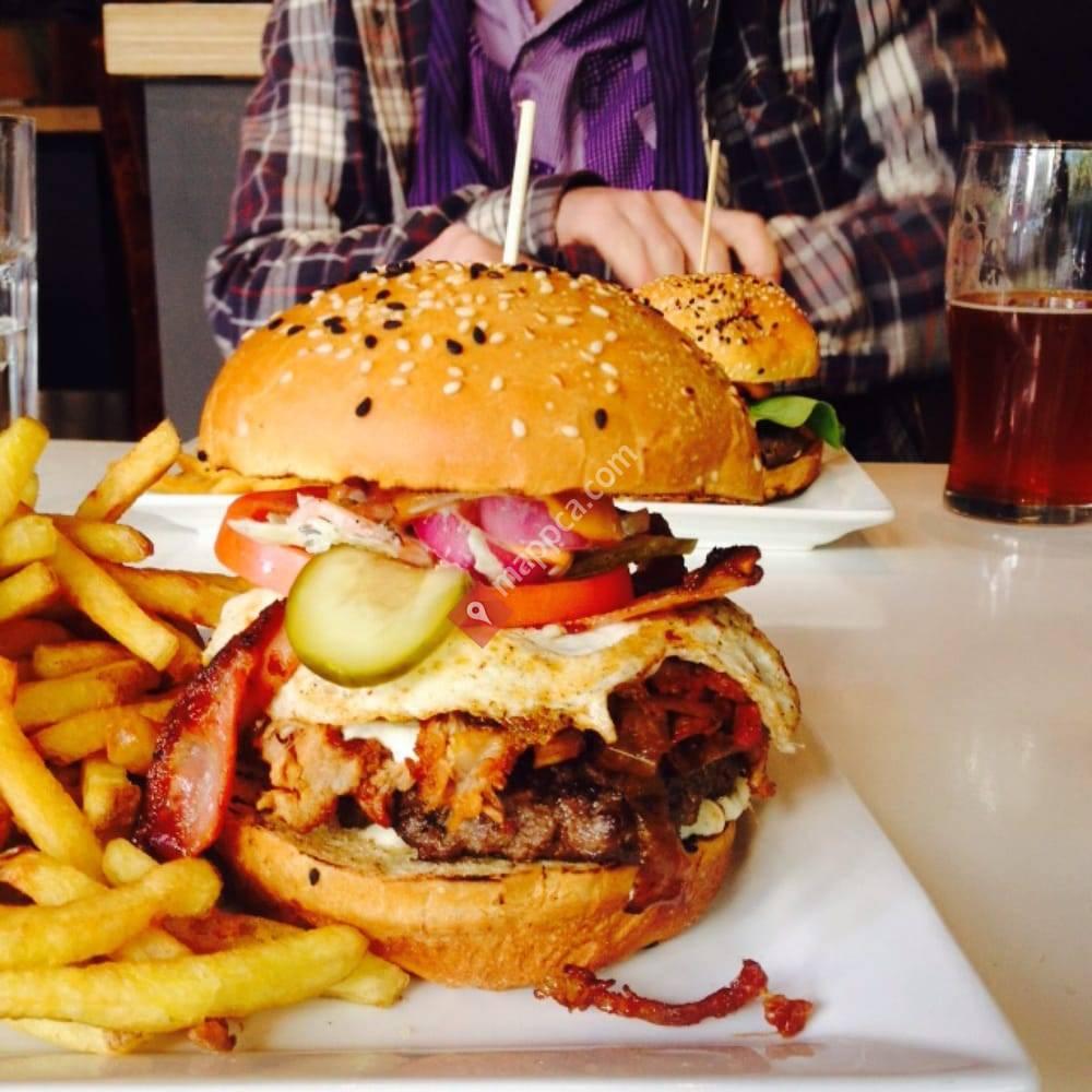 Ste-Catherine & Burger
